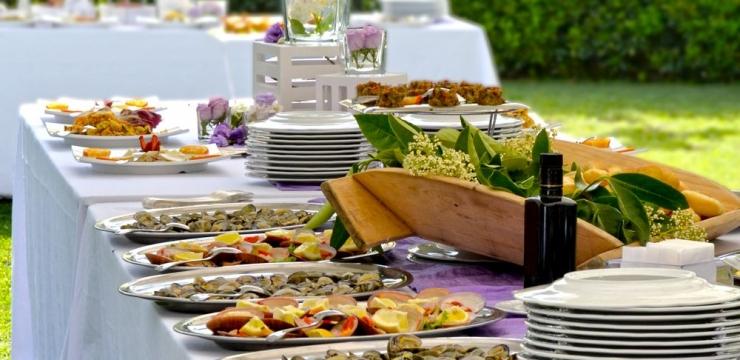 154528-como-escolher-a-melhor-opcao-de-buffet-para-o-seu-casamento-740x360